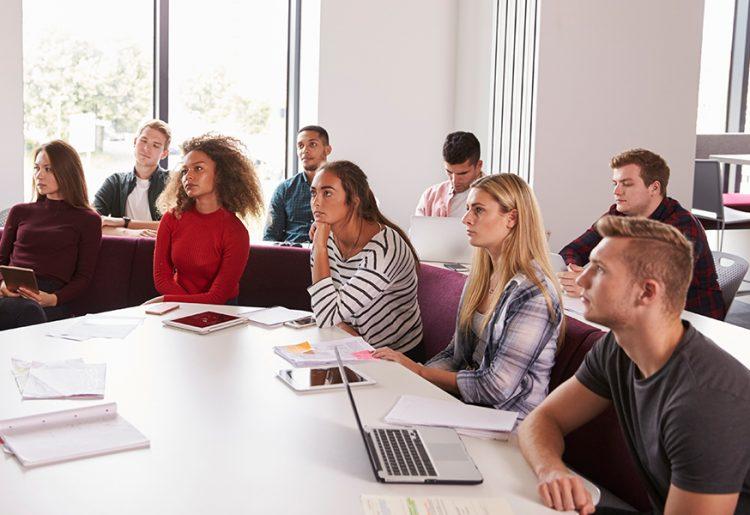 Συμμετοχή στα μετεκπαιδευτικά μαθήματα της Ογκολογικής Κλινικής Πανεπιστημίου Ιωαννίνων